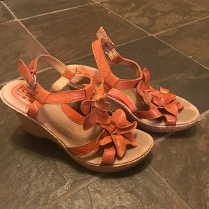 Flower orange wedges